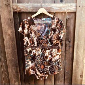 Julie's Closet V-Neck Lace Short Sleeve Top